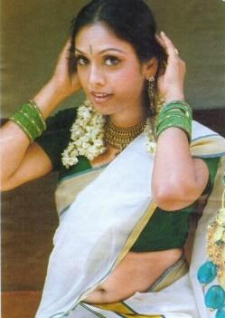 jyothirmayi-navel-hot